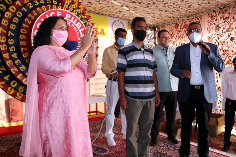 DGP Dilbag Singh expressing his views during Raffle Draw of 32nd Police Public Mela at Srinagar.