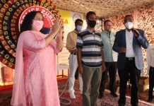 DGP Dilbag Singh expressing his views during Raffle Draw of 32nd Police Public Mela at Srinagar.