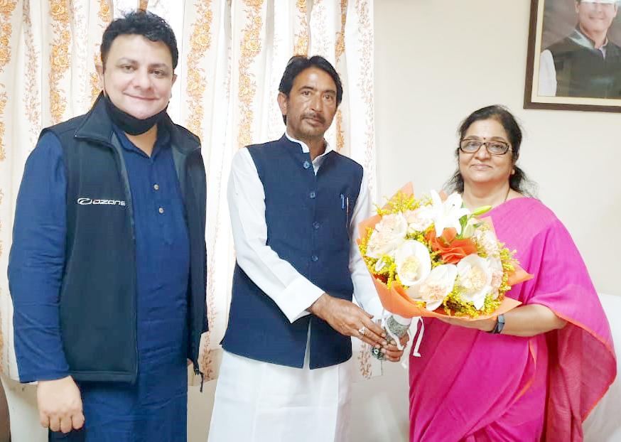 G A Mir with AICC J&K incharge Rajni Patil at New Delhi.
