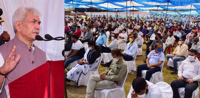 Lieutenant Governor Manoj Sinha addressing the gathering at Kud on Wednesday.