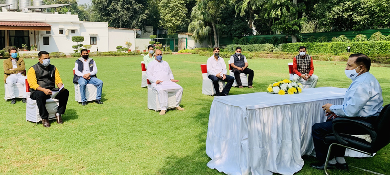"""A delegation of """"All J&K Casual Labourers United Front"""" holding a meeting with Union Minister Dr Jitendra Singh, on Saturday."""