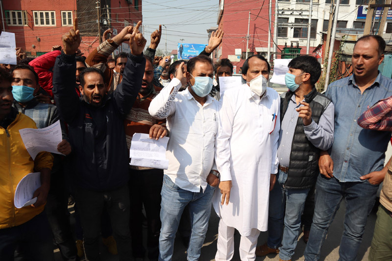Wildlife Protection employees protesting in Srinagar —Excelsior/Shakeel