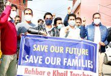 Rehbar-e-Khel teachers protesting in Srinagar. -Excelsior/Shakeel