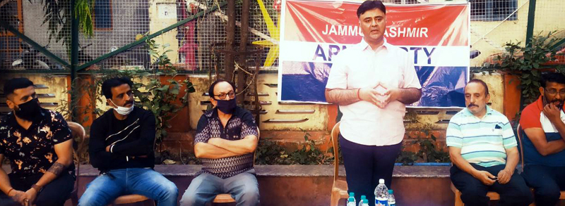 Apni Party general secretary Vikram Malhotra addressing a public meeting in Ward Number 1 of Jammu.