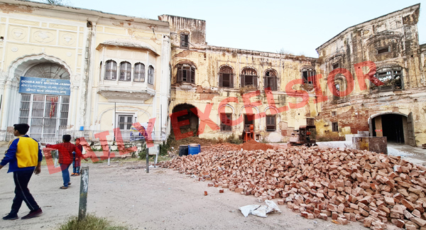 A portion of historic Mubarak Mandi complex which awaits restoration work due to adamant attitude of Deptt of Archives, Archaeology and Museum. —Excelsior/Rakesh