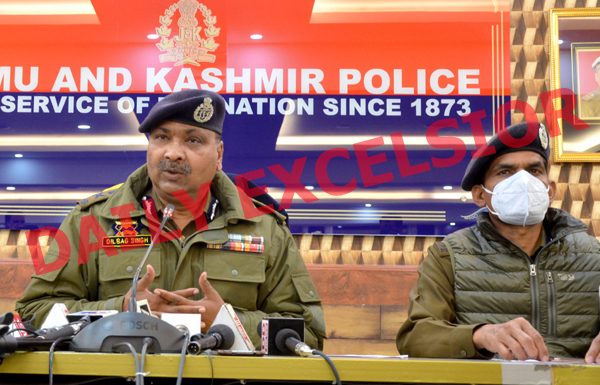 DGP Dilbag Singh during a press conference in Srinagar on Sunday. — Excelsior/Shakeel