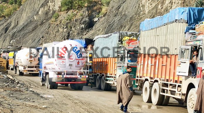 One way traffic restored on Jammu-Srinagar National Highway after snow clearance on Monday. -Excelsior/Parviaz Mir