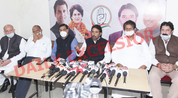 JKPCC chief G A Mir, flanked by others at a press conference in Jammu on Saturday. —Excelsior/Rakesh