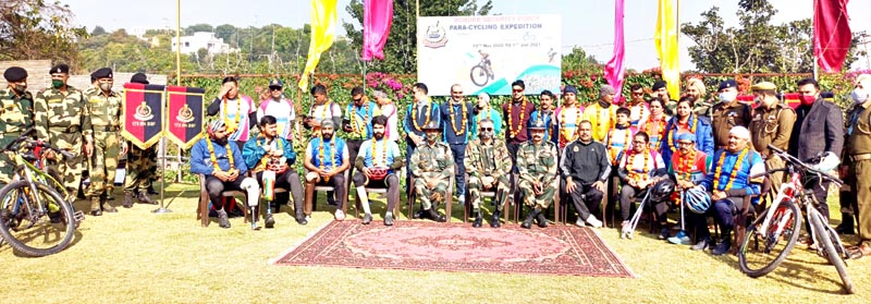 Para-cyclists along with BSP officials posing for a group photograph at Samba.Excelsior Badyal