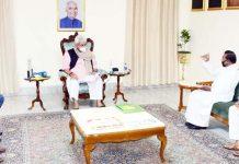 Lt Governor Manoj Sinha interacting with a delegation at Raj Bhawan Jammu.