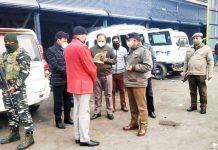 DGP Dilbag Singh during visit to Police Workshop at Srinagar.