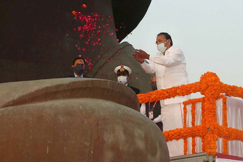 Vice President M Venkaiah Naidu paying floral tribute to Sardar Vallabhbhai Patel during his visit to the Statue of Unity in Kevadia.