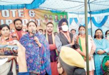 Union Minister, Samriti Irani addressing a public rally at Miran Sahib on Friday. -Excelsior/Rakesh