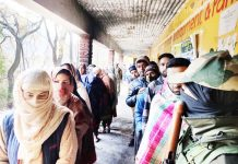 Long queue of voters in Mandi segment of Poonch on Friday. -Excelsior/Gurjeet Bhajan