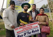 Rajeev Pandita, Deepak Fotedar and Meenu Raina awarding man of the match award to a player at Jammu.