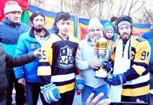 Dignitaries presenting trophy to winning team at Kargil.