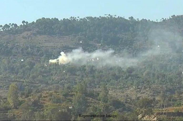 Pak troops violate ceasefire near LoC in Kupwara
