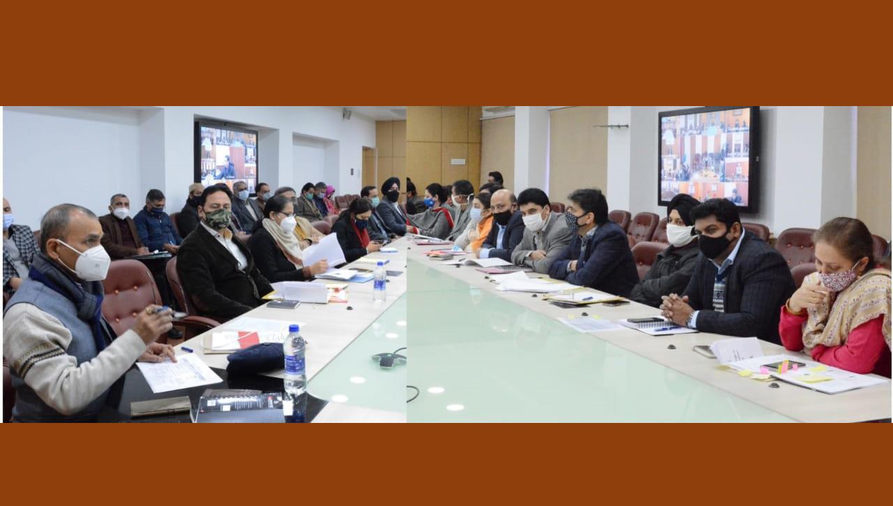 Nitishwar Kumar reviews implementation of directions of Lt Governor