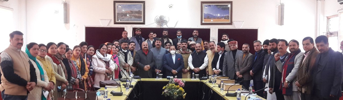 Union Minister Dr Jitendra Singh posing with the newly elected DDC Councilors of BJP from Udhampur-Kathua-Doda Lok Sabha Constituency at Jammu on Friday.