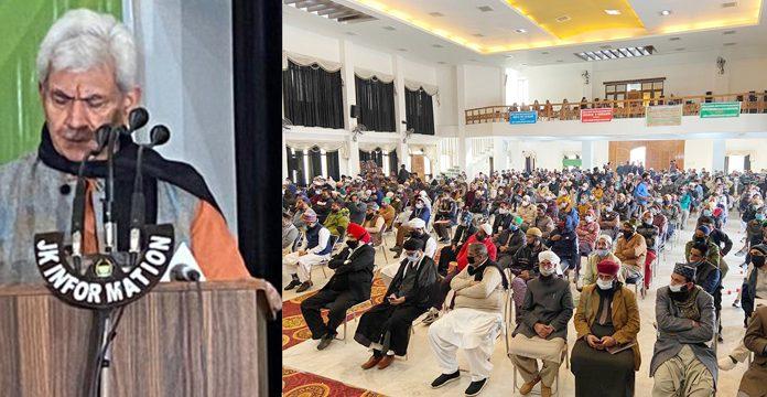 Lieutenant Governor Manoj Sinha addressing religious preachers in Jammu on Wednesday. —Excelsior/Rakesh