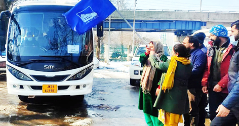 Dignitaries flagging off girls batch for Ski course.