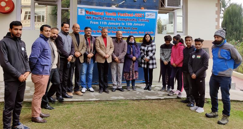 Dignitaries posing for a group photograph after inaugural ceremony at Bantalab Jammu.