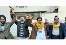 Senior Congress leader Raman Bhalla and others at Akhnoor rally on Thursday.