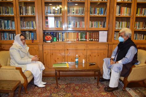 Lt Governor Manoj Sinha meeting Dr. Darakshan Andrabi on Wednesday.