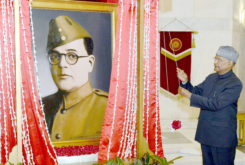President, Ram Nath Kovind unveiling a portrait of Netaji Subhas Chandra Bose, at Rashtrapati Bhavan, in New Delhi on Saturday.