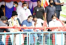Congress Leader, Rahul Gndhi and DMK Youth Wing Secretary, Udayanidhi Stalin during the 'Jallikattu' festival at Avaniyapuram, in Madurai on Thursday. (UNI)