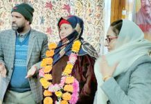 Ind BDC members Rafiqa Bilal joining BJP in presence of Dr Darakhshan Andrabi at Kulgam.