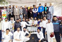 Advisor to LG, Farooq Khan along with other dignitaries and winning team posing for a group photograph at Akhnoor.