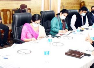 Principal Secretary to LG chairing meeting to review Jammu Smart City Projects.