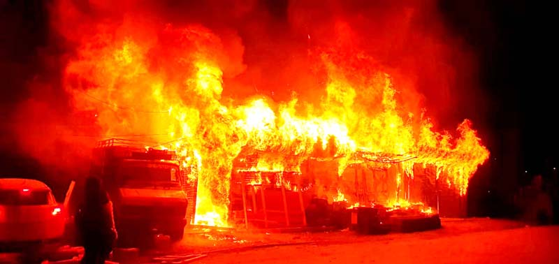 Shops on fire in Banihal area. -Excelsior/Pervaiz