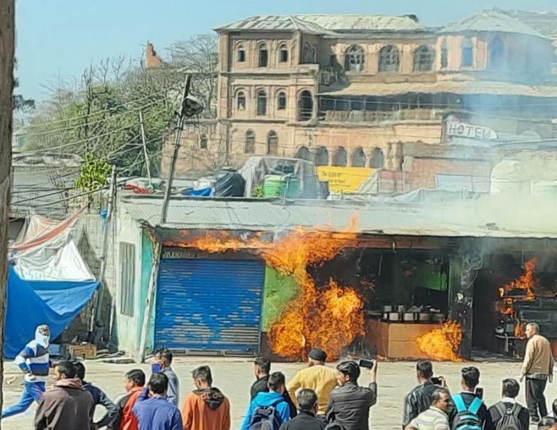 Two shops burning after gas cylinder leakage at Bus Stand Poonch on Wednesday. —Excelsior /Gurjeet