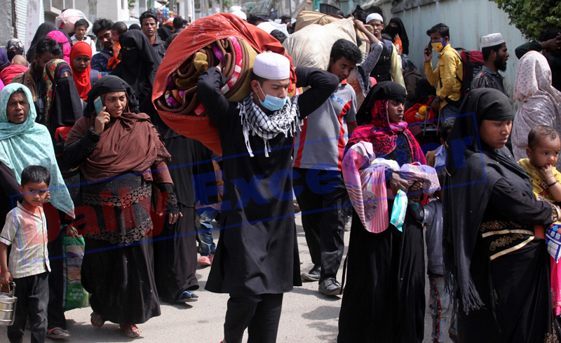 Rohingyas start march to Myanmar from Narwal only to return after some time on Sunday. -Excelsior/Rakesh