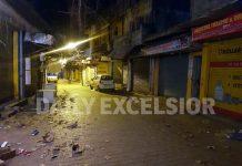 Market wears deserted look as night curfew enforced in Reasi town. -Excelsior/Romesh Mengi