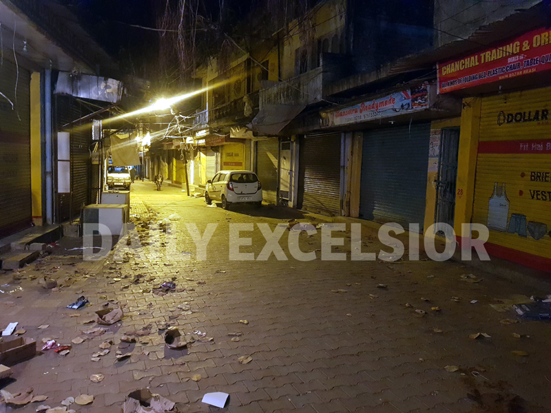 Market wears deserted look as night curfew enforced in Reasi town. -Excelsior/Romesh Mengi