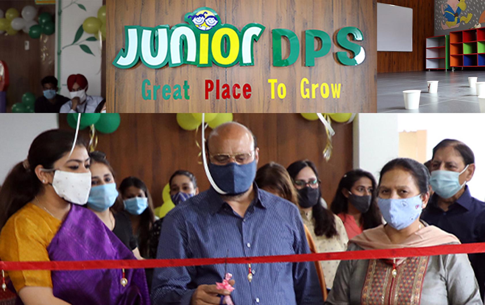 Dignitaries inaugurating Junior DPS at Trikuta Nagar