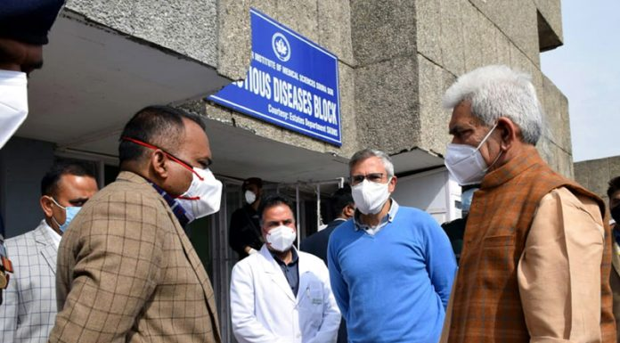 Lt Governor Manoj Sinha visited SKIMS on Sunday and met former Chief Minister Omar Abdullah and enquired about the health of NC president and sitting Member of Parliament Dr Farooq Abdullah. (UNI)