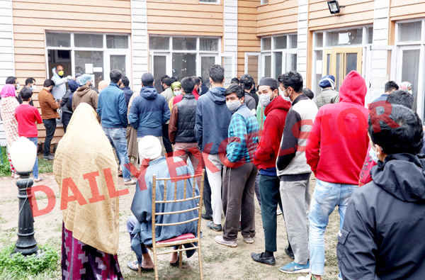 People being tested for COVID-19 at TRC in Srinagar on Saturday. —Excelsior/Shakeel