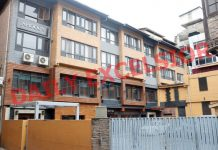 Hotel Ahdoos in Srinagar stops its operations after staff members test positive for COVID-19 on Saturday. —Excelsior/Shakeel