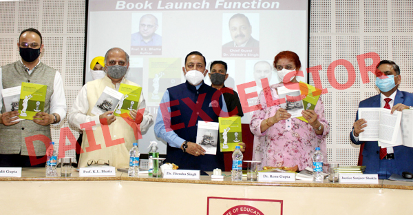 Union Minister, Dr Jitendra Singh releasing Prof K L Bhatia's books at MIER, Jammu on Saturday. —Excelsior/Rakesh
