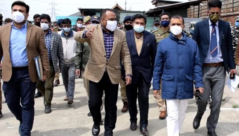 Principal Secretary to LG, Nitishwar Kumar during visit to Yatra Transit Camp on Sunday.