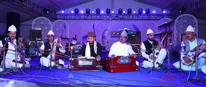 Artists performing on concluding function of Tulip Festival.