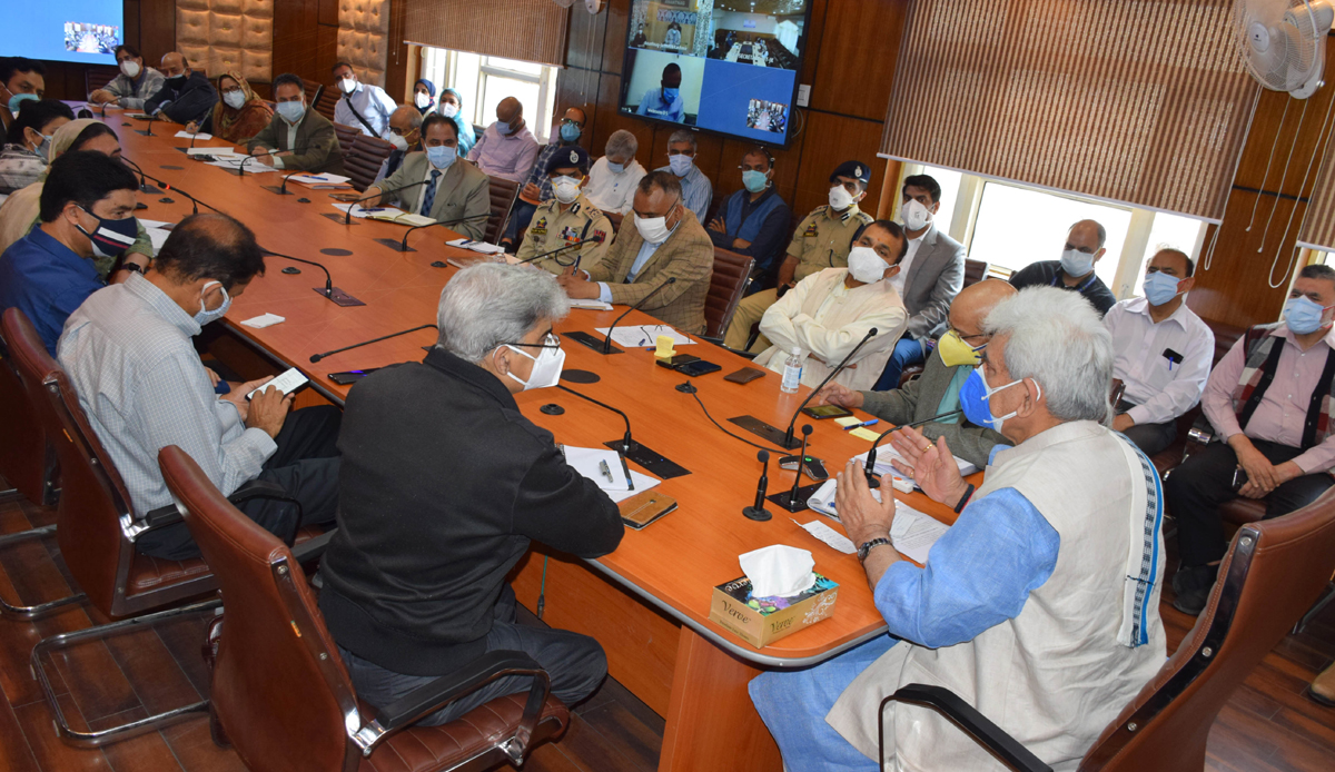 Lieutenant Governor Manoj Sinha reviewing COVID situation in Srinagar on Wednesday.