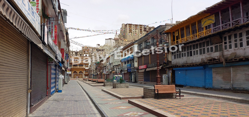 A deserted market in Leh city due to Corona curfew on Friday.— Excelsior/Morup Stanzin