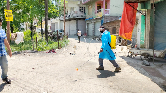 Parts of Mendhar town declared as micro-containment Zone on Sunday. —Excelsior/Rahi Kapoor