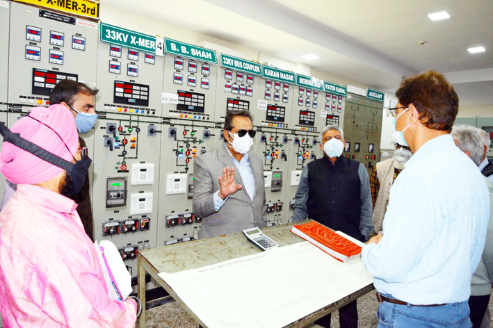 Advisor Baseer Khan during visit to Sub-station in Srinagar.