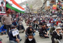 Protestors observing 'International Quds Day' in solidarity with Palestine at Kargil after Friday prayer. -Excelsior/Basharat Ladakhi